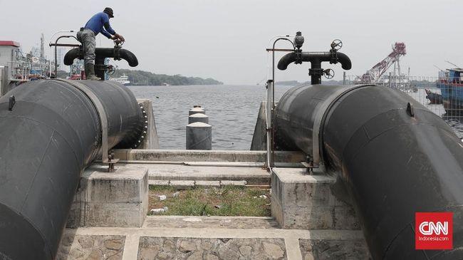 Total 470 unit pompa stasioner di 178 lokasi dengan kapasitas 50 hingga 500 liter per detik disiagakan untuk mengantisipasi waspada banjir Jakarta.