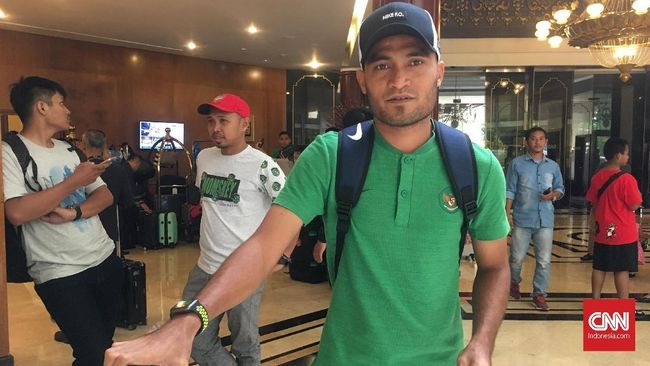 Bayu Gatra menjelaskan kronologi pukulan dari Rizky Pora terhadap dirinya pada laga PSM Makasaar melawan Barito Putera di Stadion Andi Mattalatta, Rabu (14/8).
