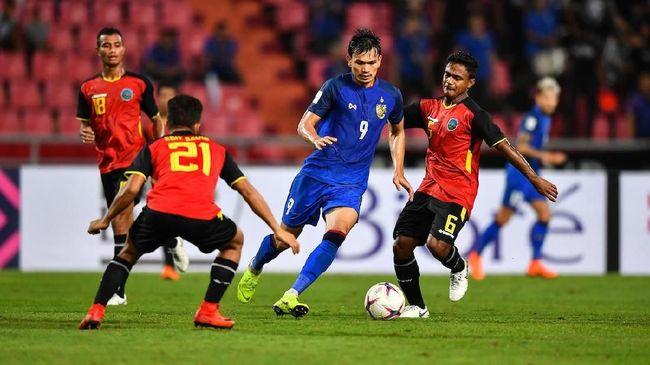 Perubahan skuat timnas Thailand pada Piala AFF 2018 menyisihkan banyak pemain Tim Gajah Perang yang terlibat dalam final Piala AFF 2016.