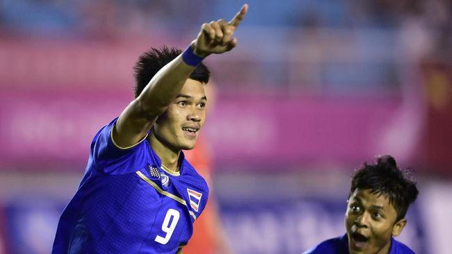 Penyerang Timnas Thailand, Adisak Kraisorn, menjadi salah satu ancaman yang patut diwaspadai Timnas Indonesia dalam pertandingan penyisihan Piala AFF 2018.