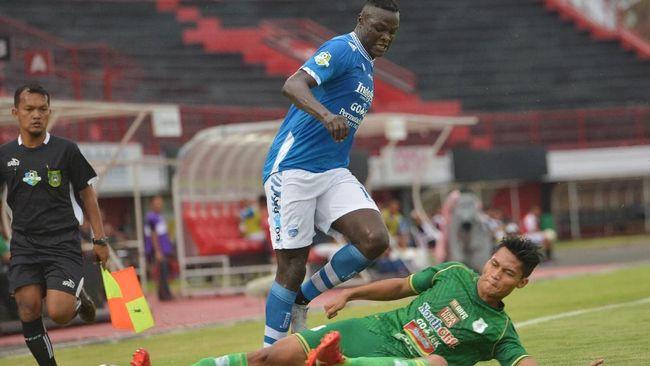 Persib Bandung sudah tidak menargetkan gelar juara Liga 1 2018 setelah bermain imbang 2-2 dengan Perseru Serui dalam laga pekan ke-32.