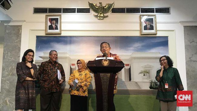 Kubu Prabowo-Sandi menilai pemerintah dengan Paket Kebijakan Ekonomi XVI seharusnya melindungi UMKM lokal, bukan malah membuka pintu bagi pemodal asing.