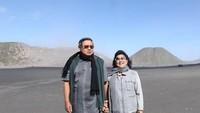 <p>Traveling pun bisa jadi salah satu cara Susilo Bambang Yudhoyono [https://news.detik.com/berita/4305107/pks-sarankan-prabowo-bertemu-sby-ini-kata-gerindra] dan Ani menghabiskan waktu bersama. (Foto: Instagram @aniyudhoyono)</p>