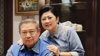 """<p>""""Terima kasih yang tulus atas segala perhatian, do'a dan ucapan selamat ulang tahun pernikahan ke-42 pak SBY dan saya. Semoga Allah meridhoi kita semua. Salam sayang,"""" kata Ani Yudhoyono saat ulang tahun pernikahannya dengan<a href="""