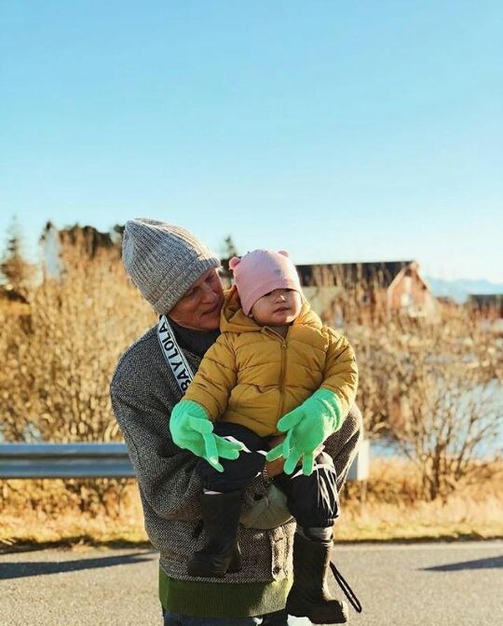 Alice Norin mengajak anaknya, Alita, mudik ke Norwegia. Yuk, intip keseruannya.