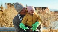 <p>Beberapa waktu lalu, Alice Norin dan keluarga kecilnya pulang ke kampung halaman Alice Norin di Norwegia. (Foto: Instagram/ @alicenorin) </p>
