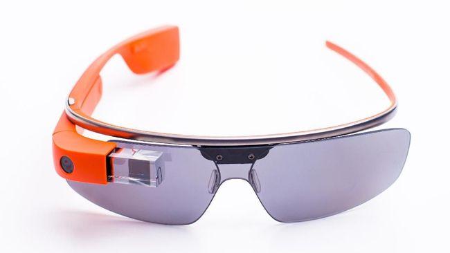Lembaga sertifikasi Amerika Serikat, Federal Communications Commision (FCC) dikabarkan telah menerima sketsa kasar si kacamata pintar.