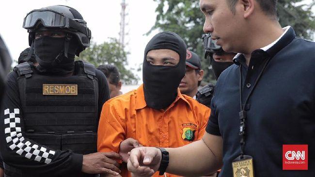 Sejumlah ucapan korban pembunuhan sekeluarga di Bekasi jadi pemicu tersangka emosi hingga kemudian naik pitam menghabisi nyawa mereka.