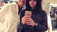 <p>Widyawati cukup dekat dengan Julia yang merupakan anak dari Romy Sophiaan.(Foto: Instagram @phandya)</p>