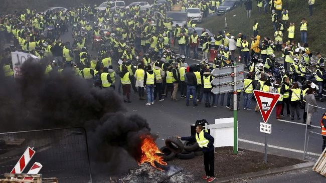Perdana Menteri Perancis mengatakan pihaknya siap menghadapi orang-orang yang datang bukan untuk memprotes, melainkan untuk membuat kerusuhan.