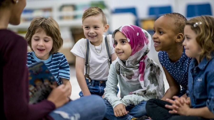3 Hal Terkait Agama yang Anak Harus Paham