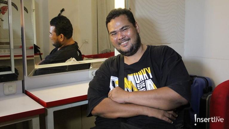 Beberapa waktu lalu, Fahmi Bo mengalami stroke ringan yang membuatnya terbatas dalam beraktivitas.