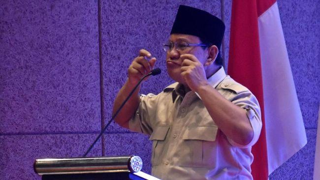 Prabowo menuding pemerintah tak memberikan aksi perlindungan terhadap kaum petani, dengan mengizinkan impor di masa panen.