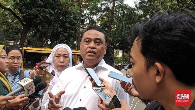 MenPAN-RB Syafruddin mengatakan ASN atau PNS di lingkungan pemerintah pusat harus ikut pindah jika ibu kota negara dipindahkan.