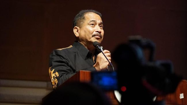 Menteri Pariwisata Arief Yahya mengakui Google banyak membantu pariwisata Indonesia.