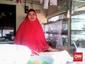 Curhat Ibu-ibu Warung dan Polemik Harga Jokowi-Sandiaga