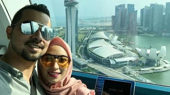 <p>Sultan Djorghi beberapa kali mengunggah foto liburan ke luar negeri bersama keluarganya. Ia juga sering mengunggah foto berdua dengan istrinya, Annisa Trihapsari. (Foto: Instagram/ @djorghisultan)</p>