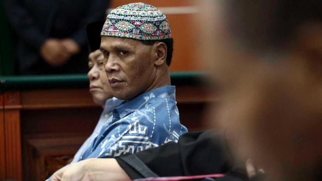 Hercules yang baru menjadi tersangka perusakan pernah dikenal sebagai tokoh perjuangan pro NKRI di Timor Timur sebelum sempat terjun 'dunia hitam' di Jakarta.