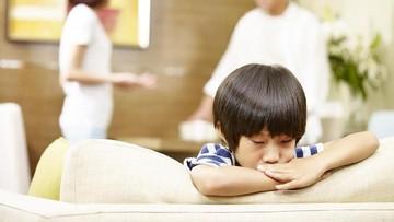 6 Cara Menjelaskan Perceraian ke Anak Balita