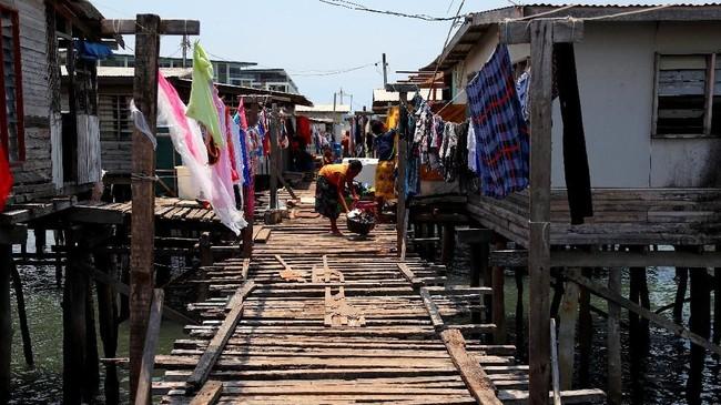 Dampak kemegahan KTT APEC 2018 belum dirasakan oleh sebagian besar penduduk Papua Nugini. Mereka ingin mempersempit kesenjangan sosial, tetapi butuh besar.