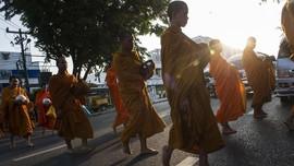 FOTO: Kala Biksu Thailand Melawan Krisis Obesitas