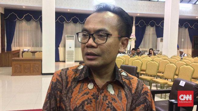 Sesmenko Perekonomian Susiwijono Moegiarso menilai masalah TKA yang masuk pada masa larangan mudik tidak perlu dibesar-besarkan karena tak melanggar aturan.