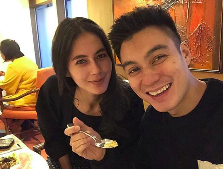 Sah! Paula Verhoeven dan Baim Wong kini resmi menjadi suami istri. Yuk, intip kemesraan mereka saat sebelum menikah.