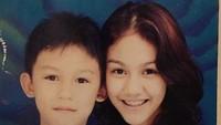 <p>Di foto ini, Sissy Prescillia berusia 14 tahun sedangkan Jevin Julian 8 tahun. (Foto: Instagram @sysiio)</p>