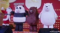 <p>Kalau Bunda suka menonton channel Cartoon Network, pasti tak asing dengan tiga beruang menggemaskan ini. Ya, mereka adalah We Bare Bears.</p>
