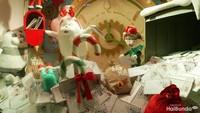 <p>Menerima surat dari anak-anak seluruh dunia ketika Natal.</p>