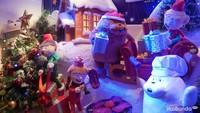 <p>Di sini, Bunda juga bisa berfoto dengan beberapa display yang tak kalah menggemaskan seperti saat mereka sedang membungkus kado Natal.</p>