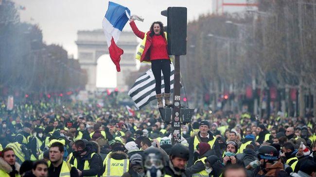 Unjuk rasa Gerakan Rompi Kuning di Prancis membuat repot pemerintah. Mereka mendesak pemerataan kesejahteraan, sebagian memiliki agenda politik.