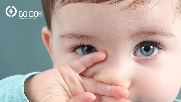 Terkait penglihatan bayi baru lahir, ada empat penyakit mata yang perlu banget Bunda dan Ayah waspadai nih.