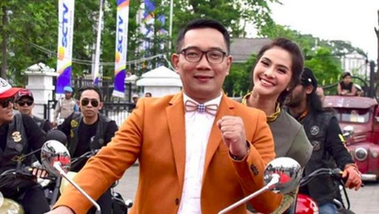 Dalam acara, Maudy Koesnaedi berboncengan dengan Gubernur Jawa Barat, Ridwan Kamil. Biar tak salah paham, berikut cara jaga kepercayaan pasangan saat bekerja.
