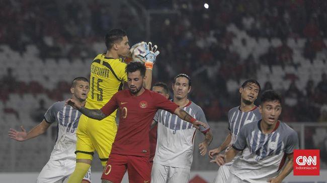 Gelandang timnas Filipina Stephan Schrock marah dan membalas ucapan pelatih Timnas Indonesia Bima Sakti usai pertandingan Grup B Piala AFF 2018.