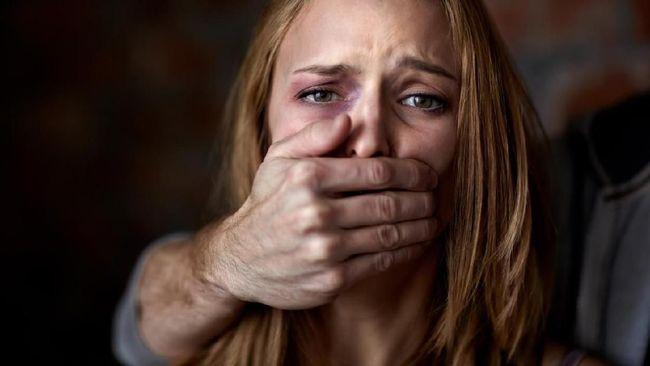 Data Komnas Perempuan mencatat bahwa angka kekerasan pada perempuan termasuk naik turun tiap tahunnya.
