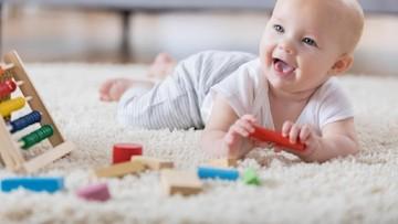 25 Inspirasi Nama Bayi dengan Arti Ceria