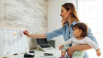 5 Tips Membawa Anak ke Kantor yang Perlu Bunda Simak