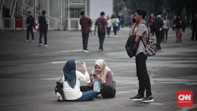 Antrian para pencari lowongan kerja memadati Stadion Gelora Bung Karno (GBK) untuk mengikuti Job Fair BUMN Career Oppurtunity (BCO). Rabu, 28 November 2018. Job Fair bertajuk Jakarta spektakuler
