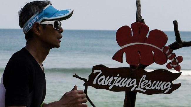 Untuk mempromosikan Tanjung Lesung, kawasan yang terletak di ujung barat Pulau Jawa, digelarlah Festival Pesona Tanjung Lesung (FPTL).