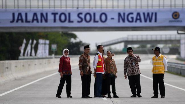 Jalan Tol Solo-Ngawi beroperasi penuh, setelah rampungnya segmen Sragen-Ngawi. Tarif melintas jalan tol segmen ini sebesar Rp55 ribu untuk kendaraan golongan I.