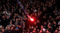 Nyalakan Kembang Api Di Depan Hotel Madrid, Empat Fans Ajax Ditangkap