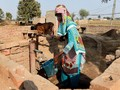 FOTO: Derita Wanita Pakistan Karena Krisis Toilet