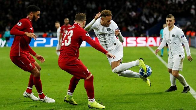 Dokter timnas Brasil, Rodrigo Lasmar, mengungkapkan gaya bermain Neymar jadi penyebab bintang Paris Saint-Germain itu gampang cedera.