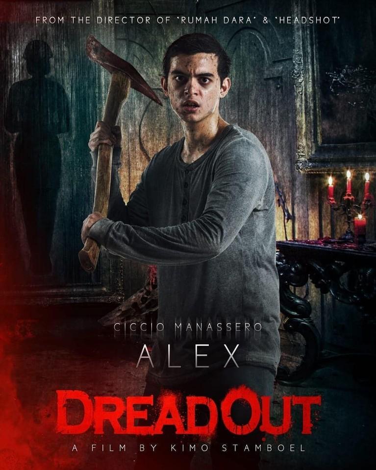 Alex (Ciccio Manassero). Cowok paling berandal di sekolah. Tapi apakah ia akan lari menghadapi teror dunia gaib ?