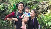 <p>Nggak sangka, Putri Titian yang seimut ini sekarang sudah jadi ibu dari Theodore Iori Liem. Sst, di Instagram-nya, Putri mengumumkan tengah hamil anak kedua lho. Wah, sehat-sehat ya bumil. (Foto: Instagram/putrititian)</p>