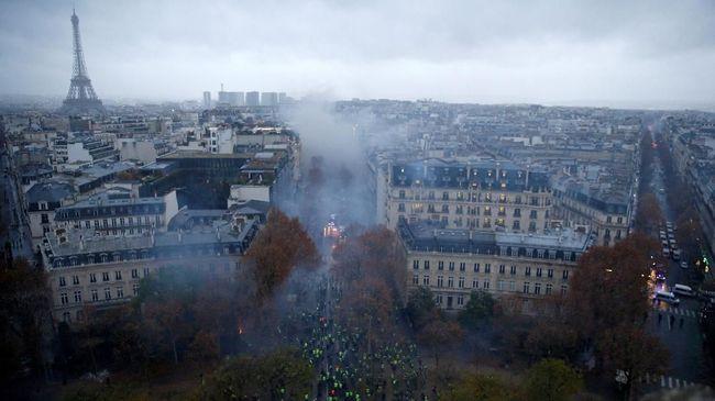 Paris Rusuh, Prancis Pertimbangkan Status Darurat
