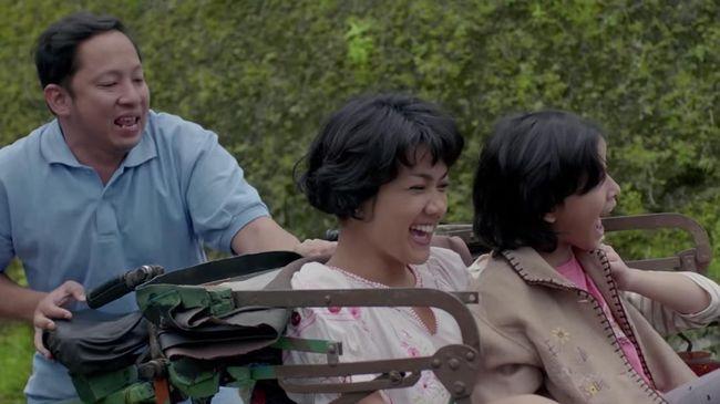 Untuk mencegah Covid-19, setiap orang disarankan Lebaran di rumah. Anda bisa menonton film sedih yang bertema keluarga saat Lebaran.