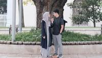 <p>Pasangan satu ini, nggak pelit berbagi momen kebahagian di Instagram masing-masing. (Foto: Instagram @ dimasseto_1)</p>