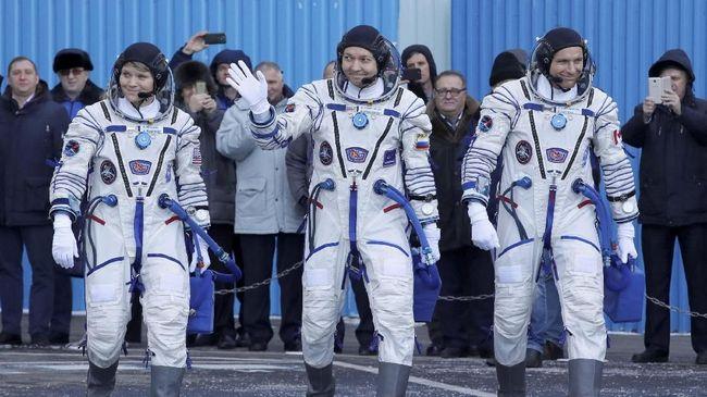 Astronaut NASA Diduga Retas Akun Bank Pasangan dari ISS